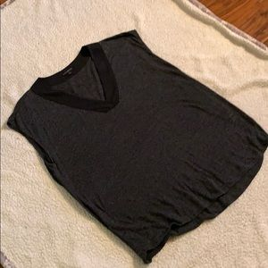 Perfect tank for jeans.